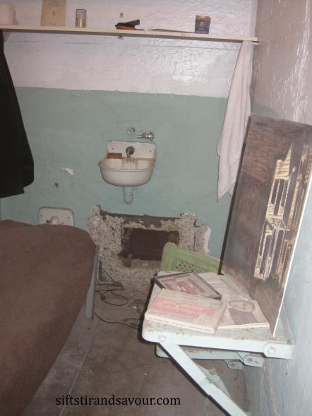 escape alcatraz; siftstirandsavour.com